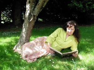 Dar enjoys a quiet moment in her lush backyard Photo © Kim Goldberg
